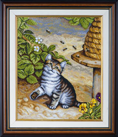 X-1143, Kitty and bees The cross stitch kit contains: DMC cotton thread, 16 count cotton Aida Zweigart, needle, color chart and instructions. Size (28 x 346 cm)